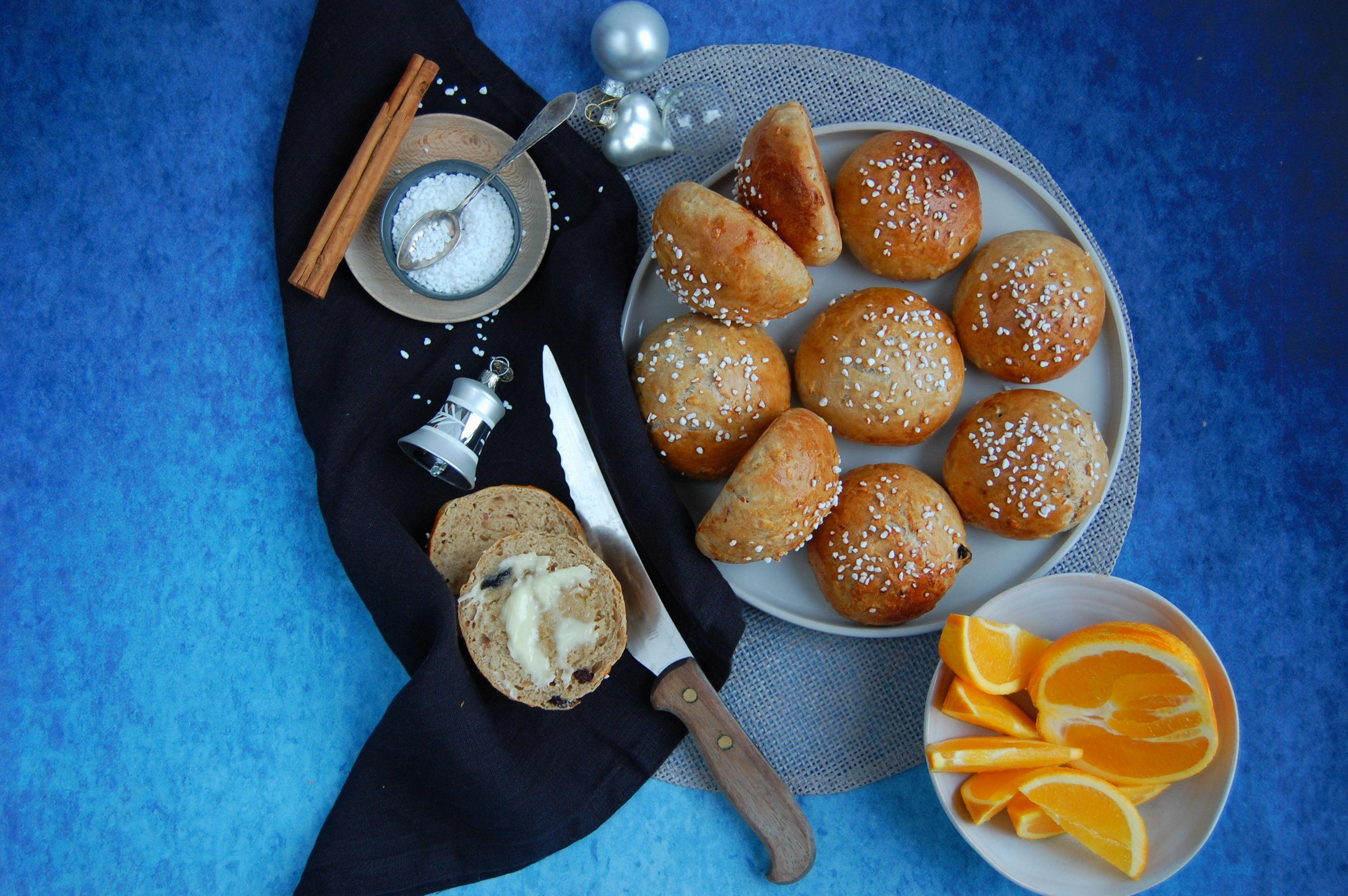 Juleboller med æble, appelsin, kanel, varme krydderier
