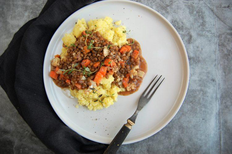 Linsegryde med grov kartoffelmos